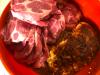 Schweinenacken mit Gewürzmischung und Joghurt