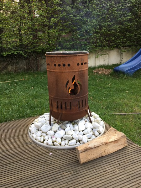 Feuerkorb für Stockbrot